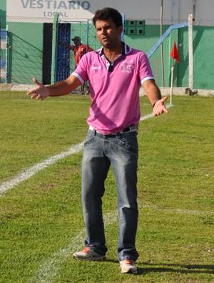 Danilo Queiroz, técnico do Barras (Foto: Renan Morais/GLOBOESPORTE.COM)