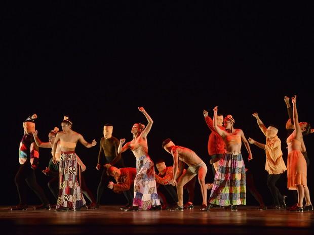 Centro Coreográfico Leandro Netto fico em 1º lugar na categoria sapateado - conjunto sênior (Foto: Festival de Dança de Joinville/Divulgação)