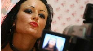 Há menos pornografia do que se pensa na internet, diz empresa (Foto: BBC)