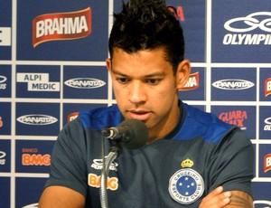 Wallyson na coletiva do Cruzeiro (Foto: Marcos Antônio Astoni / Globoesporte.com)