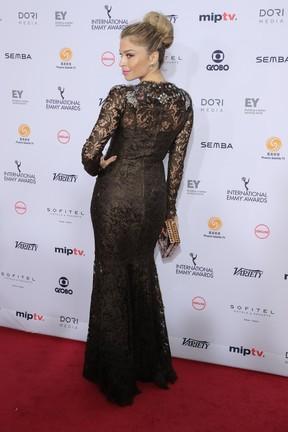 Grazi Massafera no Emmy Internacional, em Nova York (Foto: AFP)