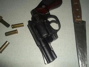 Homem invadiu residência do casal com revólver e faca, diz polícia (Foto: Richard Lopes/Arquivo Pessoal)