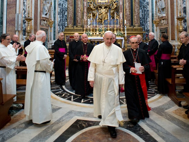 Papa Francisco deixa a Basílica de Santa Maria Maggiore (Foto: Osservatore Romano/AFP)