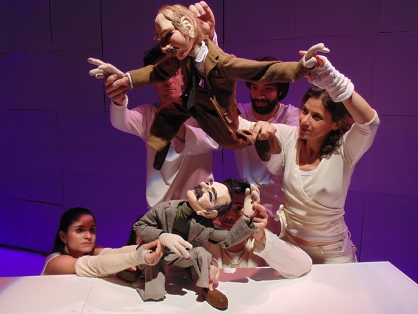 Os bonecos dançarinos de 'Peh Quo Deux': colaboração de coreógrafos (Foto: José Roberto Crivano)