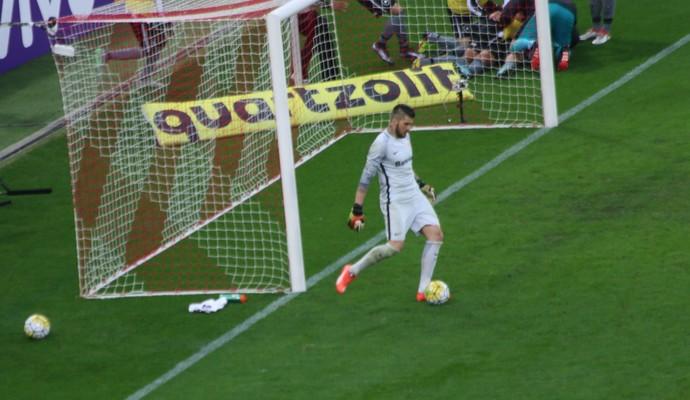 Jacsson goleiro Inter (Foto: Tomás Hammes / GloboEsporte.com)