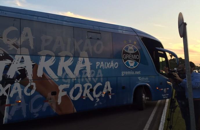 Chegada Grêmio Porto Alegre (Foto: Eduardo Moura/GloboEsporte.com)
