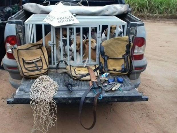Grupo é detido por caçar espécimes da fauna silvestre em Itaúna  (Foto: Polícia de Meio Ambiente/Divulgação)