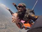 Débora Lyra salta de paraquedas: 'O céu jamais será o limite para mim!'