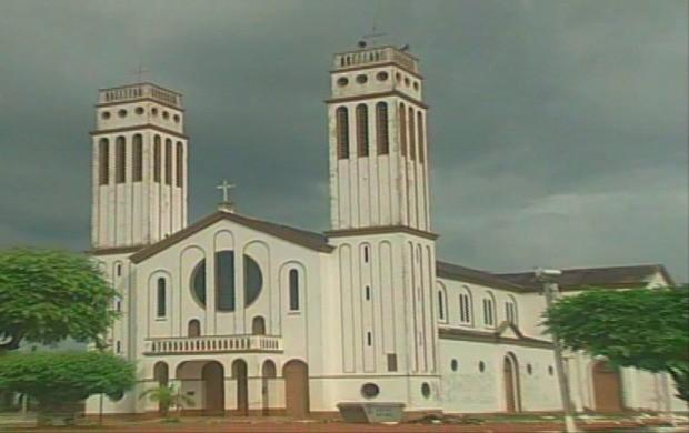 Catedral Nossa Senhora do Seringueiro, inaugurada em 1971 em Guajará-Mirim, Rondônia (Foto: Bom Dia Amazônia)