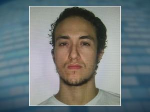 Chaer Kalaun, de 28 anos, preso na noite desta quarta-feira (27) pela Polícia Federal em Nova Iguaçu (Foto: Reprodução/TV Globo)