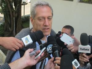 Irmão de Celso Daniel acompanha julgamento  (Foto: Márcio Pinho/ G1)