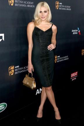 Pixie Lott em premiação em Los Angeles, nos Estados Unidos (Foto: Frederick M. Brown/ Getty Images/ AFP)