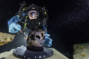 O esqueleto de Naia, o mais antigo esqueleto completo encontrado na América, reacendeu o debate sobre a origem do homem americano (Foto: AP Photo/National Geographic, Paul Nicklen)