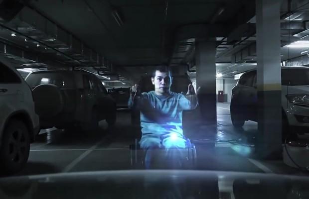 Holograma feito na Rússia alerta motoristas que param em vagas de deficientes (Foto: Divulgação)