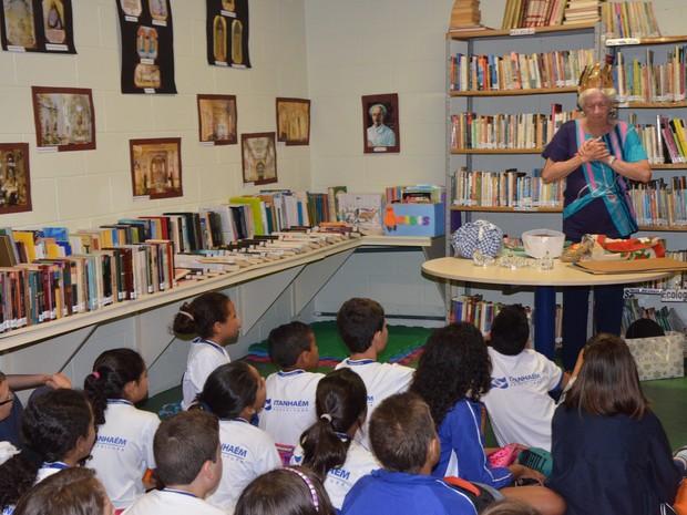 Crianças de escolas municipais participam da iniciativa (Foto: Mariana Rodrigues / Itanhaém)