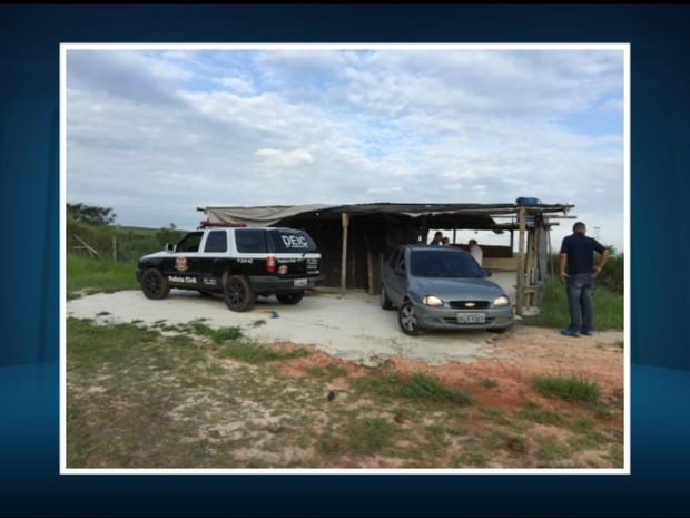 Local onde foram apreendidas armas e munições, entre Sumaré e Paulínia (Foto: Reprodução/EPTV)