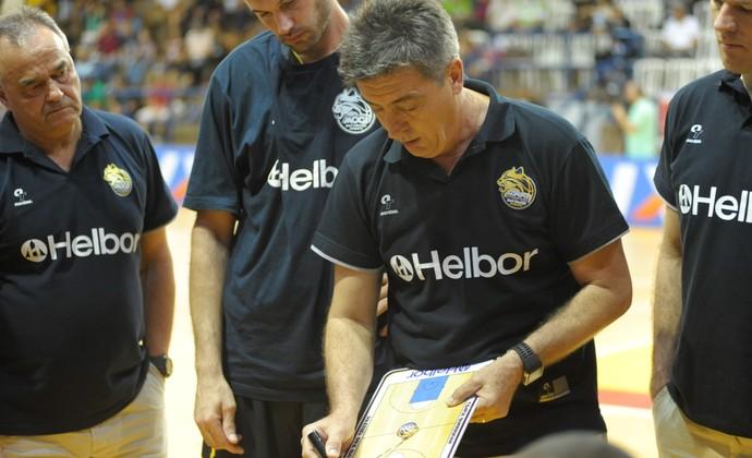 Guerrinha técnico Mogi das Cruzes basquete (Foto: Brito Júnior)