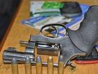 Dois menores são apreendidos com arma de fogo, em Ji-Paraná