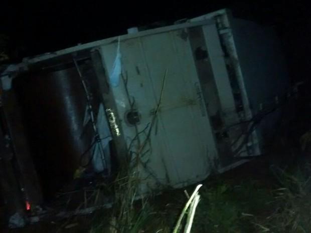 Demlurb acidente MG-353 em Monte Verde (Foto: Corpo de Bombeiros/Divulgação)