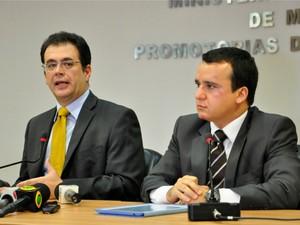 Segundo promotores Alexandre Guedes e Clóvis de Almeida, do MP-MT, Secopa não comprovou ausência de riscos. (Foto: Renê Dióz/G1)