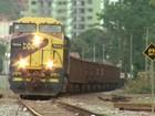 Mulher é atropelada por trem no Centro de Três Rios, RJ
