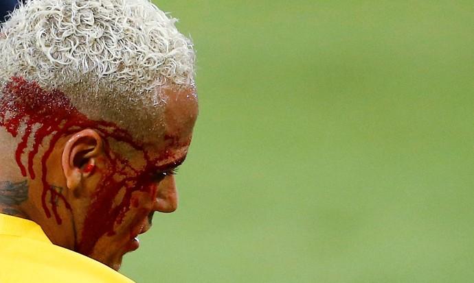 Neymar Seleção sangue Bolívia (Foto: Reuters)