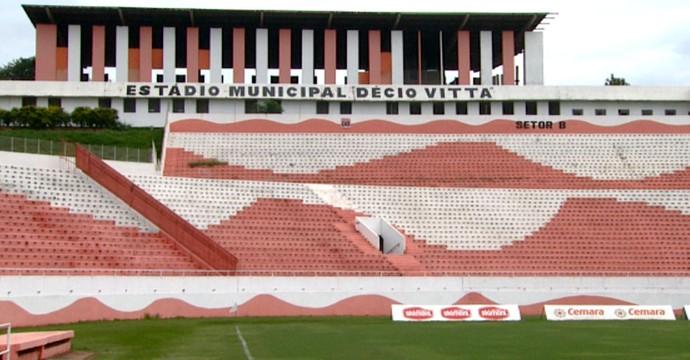 Estádio Décio Vitta, em Americana (Foto: Carlos Velardi / EPTV)