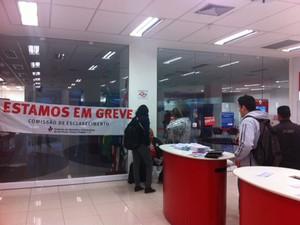 Agência da Avenida Paulista permitia o acesso aos caixas eletrônicos   (Foto: Tahiane Stochero/G1)