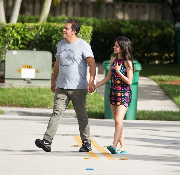 Alejandro e Camila Cabello (Foto: Grosby Group)