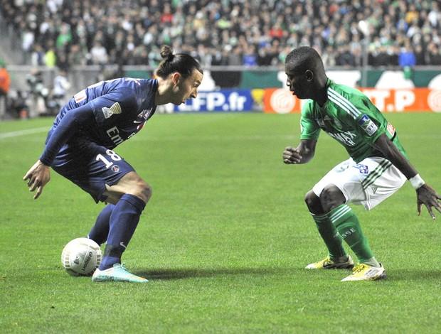 Ibrahimovic e Gradel, Saint-Etienne e PSG (Foto: Agência AFP)