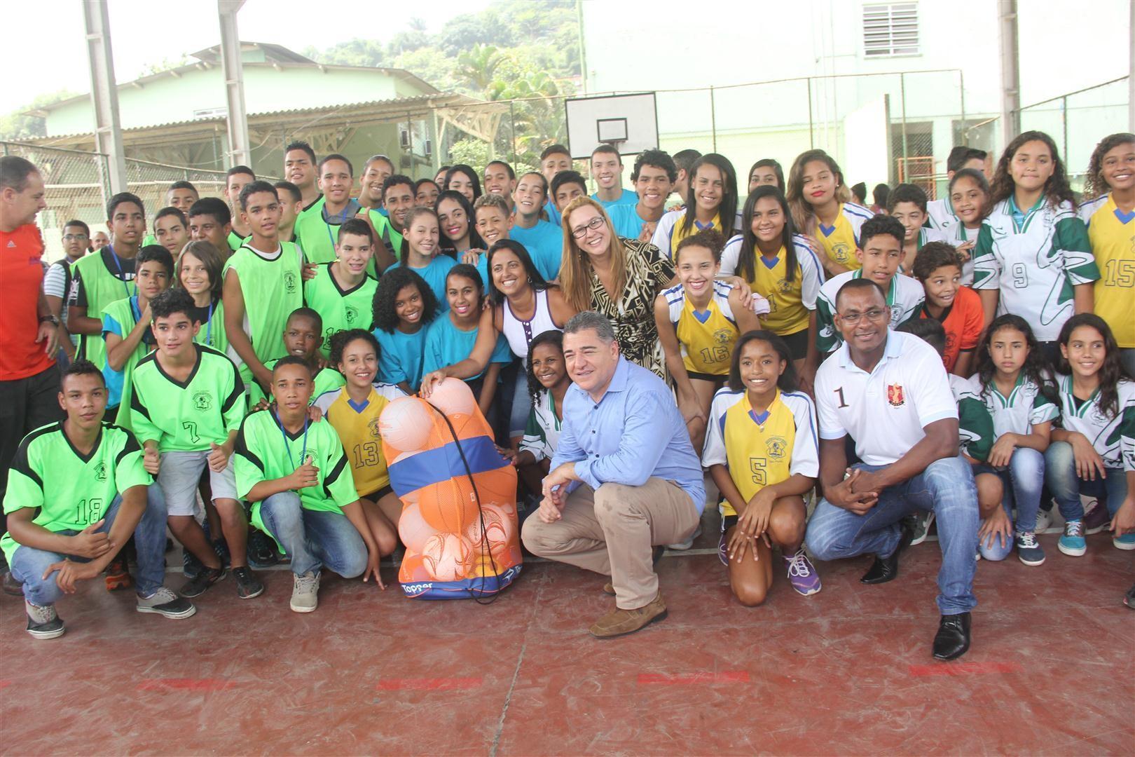 A Escola Estadual Vereador Francisco Figueiredo ganhou prêmio de melhor escola pública (Foto: Pedro Rezende)