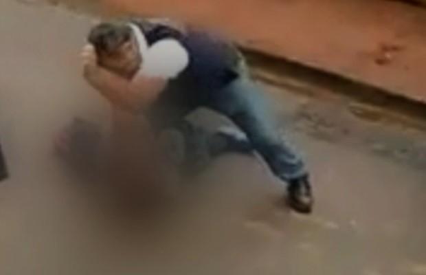 Policial agride colega da filha e saca arma na porta de escola em Trindade, em Goiás (Foto: Reprodução/TV Anhanguera)