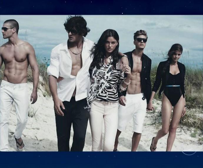 Camila Queiroz apresenta fotos da sua primeira campanha mundial (Foto: Reprodução)
