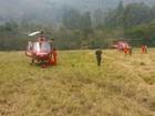 Tempo abre e aeronaves chegam para combater incêndios na Serra