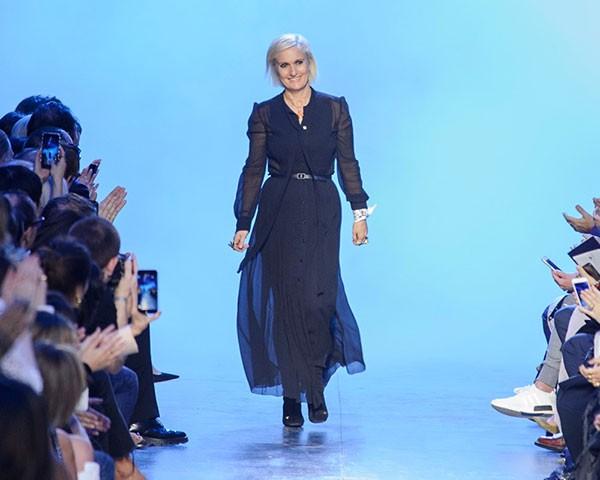 Maria Grazia Chiuri é a designer da Dior que colcou o feminismo na passarela (Foto: Imaxtree)