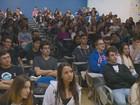 Táticas para prova da Unicamp vão de disfarce nerd a 'preleção' com Virna