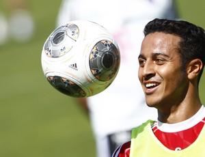 Thiago Alcântara treino Bayern (Foto: Reuters)