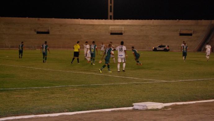 Treze x Sousa, Amigão (Foto: Silas Batista / GloboEsporte.com)