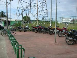 G1 testa ciclovia da Avenida João XXIII, em Santa Cruz, Zona Oeste do Rio. (Foto: Mariucha Machado/G1)