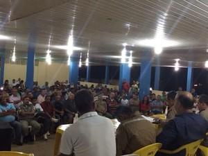 Militares se reuniram em assembleia para decidir sobre proposta. (Foto: Paula Nunes/G1)