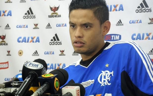 Carlos Eduardo treino Flamengo (Foto: Cahê Mota)