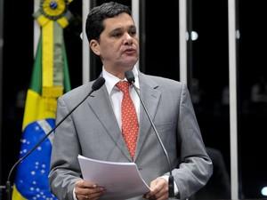 Senador Ricardo Ferraço (PMDB-ES) foi um dos que discursou antes do início da votação (Foto: Geraldo Magela/Agência Senado)