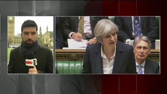 Theresa May entrega carta e Reino Unido dá início ao processo formal de saída da UE