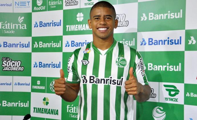 Atacante Taiberson foi apresentado como reforço do Juventude (Foto: Arthur Dallegrave / Esporte Clube Juventude)