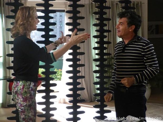 Os dois são só alegria com o plano do sequestro!!! (Foto: Malhação / TV Globo)