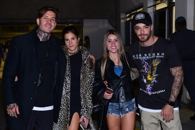 Enzo e Sophia Celulari e amigos no show de Biber (Foto:  Leo Franco/ AgNews)