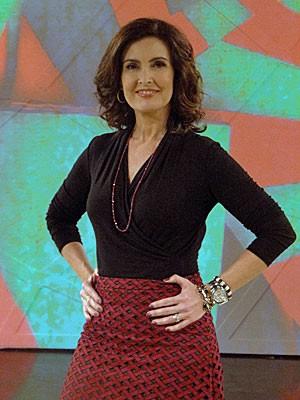 Fátima adotou lindo look vermelho e preto (Foto: Encontro com Fátima Bernardes/TV Globo)