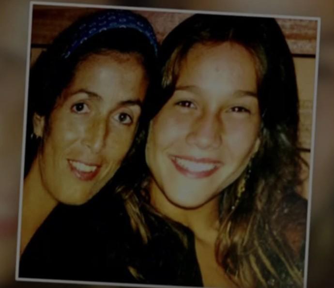 Lenice e Fernanda em registro do passado (Foto: TV Globo)
