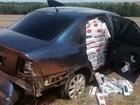 Carro com cigarros contrabandeados é abandonado na BR-487, no Paraná