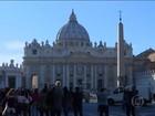 Vaticano prende padre e italiana suspeitos de vazar documentos